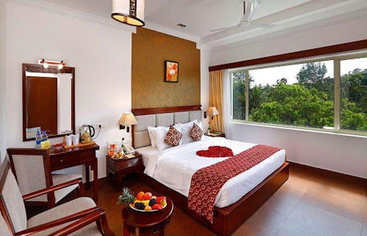 spice-grove-hotel-thekkady