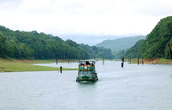 Boating in Thekkady Lake